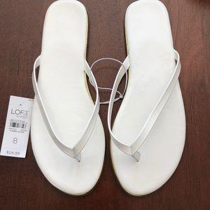 NWT LOFT White/Gold Patent Leather Flip Flops